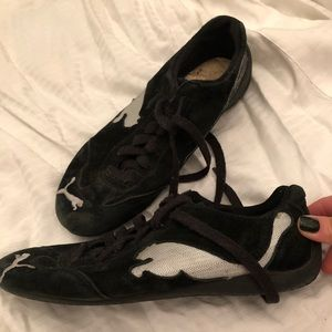 Black and silver suede puma sneakers size 8